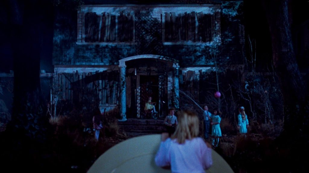 13 classic halloween images found in horror movies pophorror for Classic haunted house movies