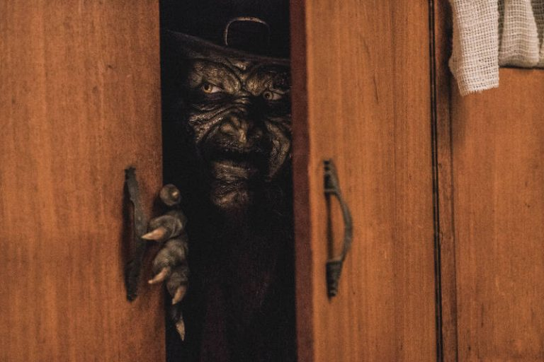 Leprechaun Returns Is Now Available To Rent And Buy Pophorror 272 likes · 65 talking about this. leprechaun returns is now available to